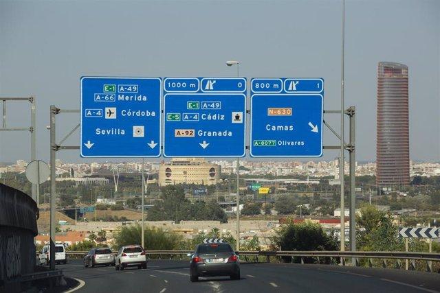 Tráfico en las carreteras de Sevilla durante la 'operación retorno' del verano de 2019