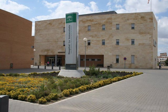 Hospital La Inmaculada en la localidad de Huércal-Overa (Almería), centro de traslado de los cuatro heridos en el accidente de Cuevas del Almanzora.