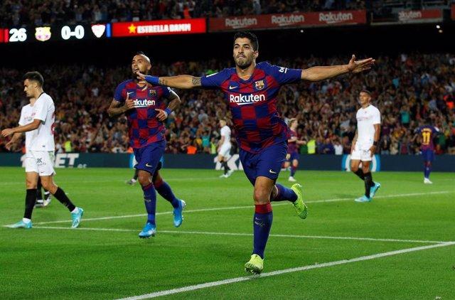 Luis Suárez celebra un gol con el FC Barcelona.