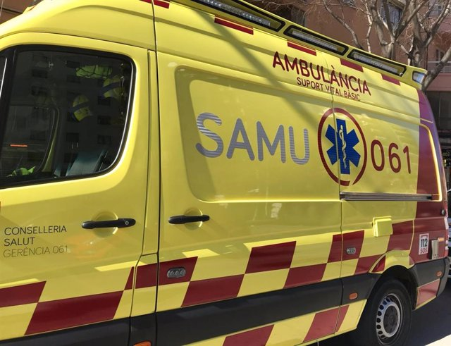 Una ambulancia del SAMU 061.