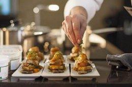 Los productos de calidad de La Rioja y su cocina desembarcarán en Madrid los días 21 y 22 de marzo, a través de la iniciativa 'La Rioja Gastronómica', contando para ello con los cocineros Javier Estévez, Francis Paniego, Sacha Hormaechea y Ventura Martíne