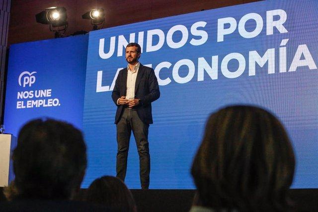 El presidente del PP, Pablo Casado, interviene en la inauguran la Convención Económica del PP en Córdoba.