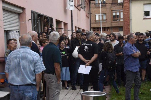 Movilización convocada para paralizar un desahucio en las viviendas de Mina La Camocha