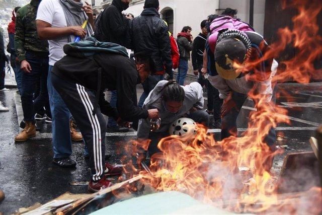 Manifestación en Quito contra el 'paquetazo' decretado por Lenín Moreno