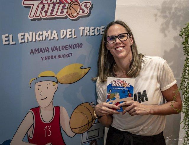 Amaya Valdemoro presenta su primer libro de literatura infantil, 'Los Trugos, el enigma del Trece'