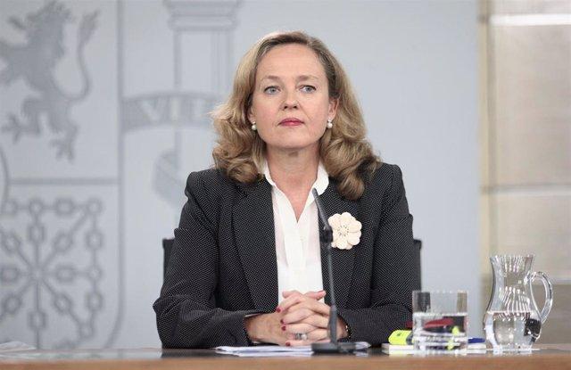 La ministra de Economía y Empresa en funciones, Nadia Calviño, comparece ante los medios de comunicación tras la reunión del Consejo de Ministros en Moncloa, en Madrid (España), a 4 de octubre de 2019.