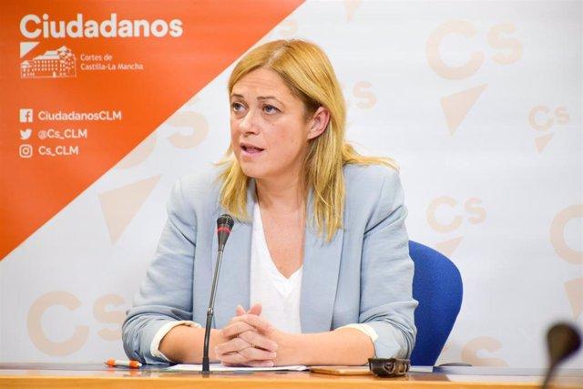 La secretaria de Acción Institucional de Ciudadanos en Castilla-La Mancha, Carmen Picazo, en rueda de prensa