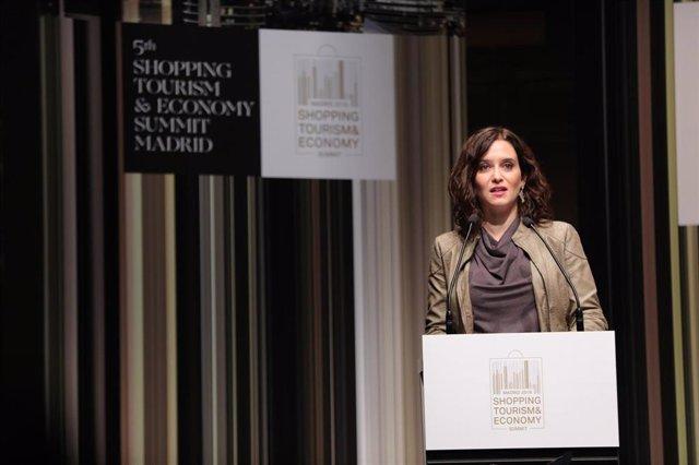 La presidenta de la Comunidad de Madrid, Isabel Díaz Ayuso, durante su intervención en la inauguración de la 5th Summit Shopping Tourism & Economy Madrid 2019 en el CaixaFórum de Madrid, a 7 de octubre de 2019.