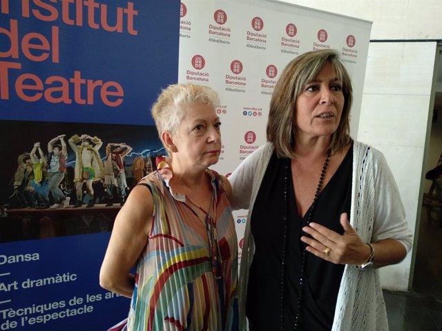 La dtora.De l'Institut del Teatre Magda Puyo i la pta.de la Diputació de Barcelona Núria Marín