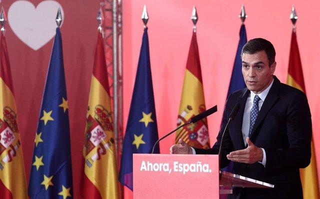 El secretario general del PSOE y presidente del Gobierno en funciones, Pedro Sánchez, durante su intervención en el acto de presentación del programa electoral de su partido para las elecciones del 10 de noviembre, en Madrid (España), a 7 de octubre de 20