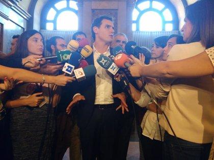 """Rivera pide al PSC apoyar la moción de censura contra Torra y no """"equivocarse de adversario"""""""