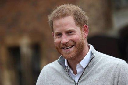 El Príncipe Harry demanda a dos nuevos periódicos británicos