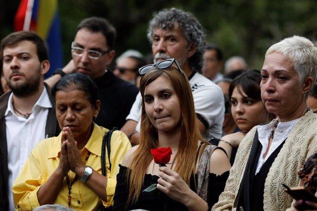 Asistentes al funeral del concejal venezolano Fernando Albán en octubre de 2018.