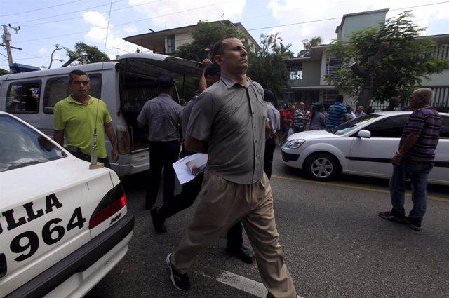 José Daniel Ferrer en el momento de su detención.