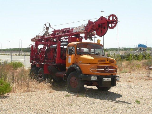 Imagen de la perforadora Schott Dubon que el Gobierno foral ha donado a la ONG Geólogos del Mundo - World Geologists.
