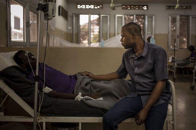 Familiar y paciente con VIH en Kinsasa (República Democrática del Congo)