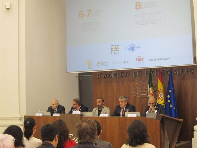 Acto de inauguración de las Jornadas de Investigación en Medicamentos y Salud en Poblaciones Autóctonas de América Latina.