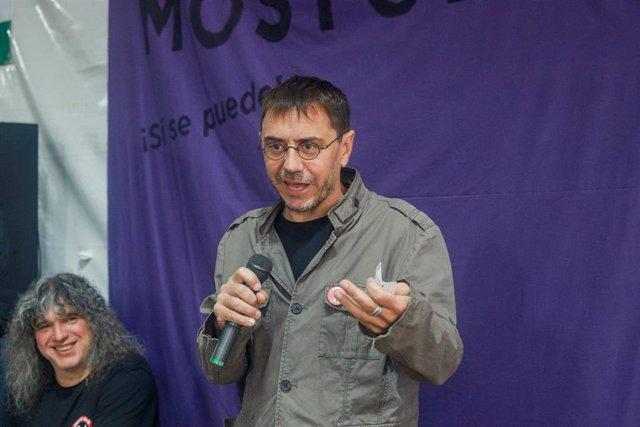 Juan Carlos Monedero participa en el coloquio 'La música como vehículo político' en Móstoles (Madrid).
