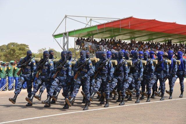 Gendarmes del equipo de intervención en Burkina Faso