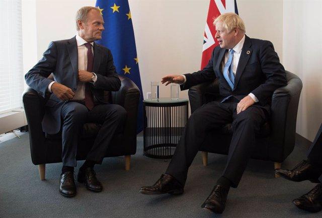 "Brexit.- Tusk afea a Johnson la falta avances en negociaciones: ""No es un estúpi"