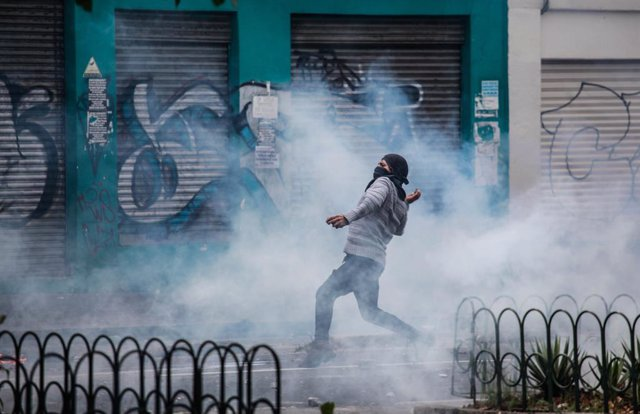 El Gobierno español llama a la negociación urgente en Ecuador y recomienda no vi