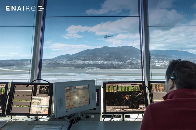 Controlador aéreo de ENAIRE en Málaga