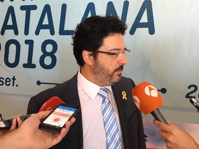 El secretari d'Infraestructures i Mobilitat de la Generalitat, Isidre Gavín, davant dels mitjans