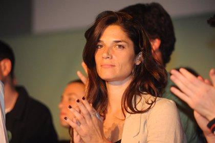 """Colau envia a Serra una """"abraçada que transcendeix cites i càlculs electorals"""" després de la seva dimissió"""