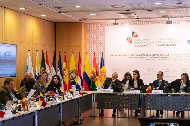 Sessions plenries de la II Reunió Iberoamericana de ministres d'Afers Socials.