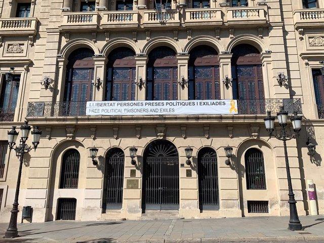 Façana de la Paeria de Lleida.