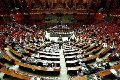 Italia: Votantes dicen sí al recorte de parlamentarios