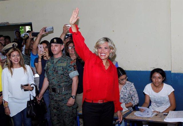 La alcaldesa de la localidad de Guayaquil, Cynthia Viteri.