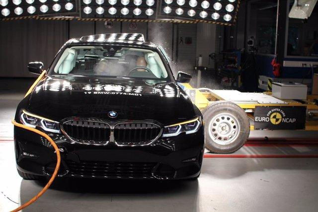 Test de impacto lateral de Euro NCAP al BMW Serie 3