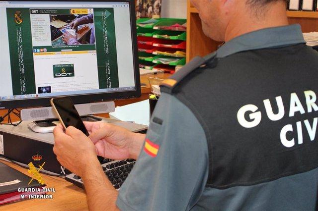 Nota De Prensa La Guardia Civil Investiga A Un Menor Por Usurpar La Identidad De Una Joven