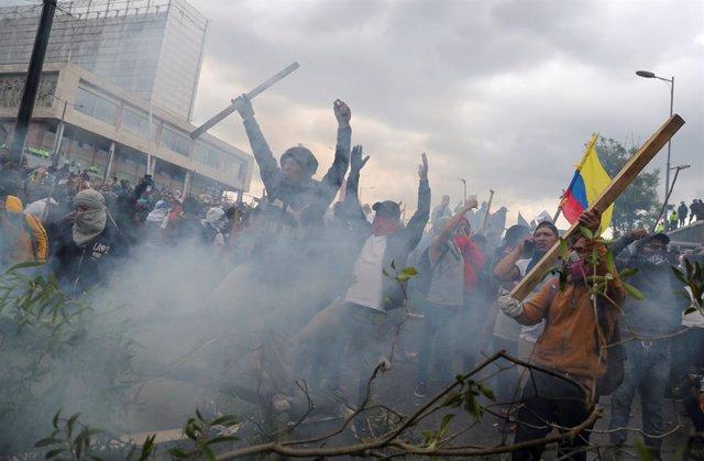 """Ecuador.- El contralor general pide diferenciar el """"reclamo social pacífico"""" de los que buscan """"instaurar el caos"""""""