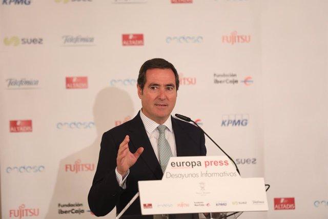 El president de la CEOE, Antonio Garamendi, durant la seva intervenció en els Esmorzars Informatius d'Europa Press a Madrid el 9 d'octubre del 2019.