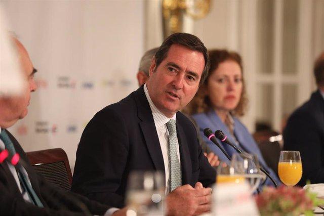 El presidente de la CEOE, Antonio Garamendi, durante su intervención en los Desayunos Informativos de Europa Press en Madrid el 9 de octubre de 2019,