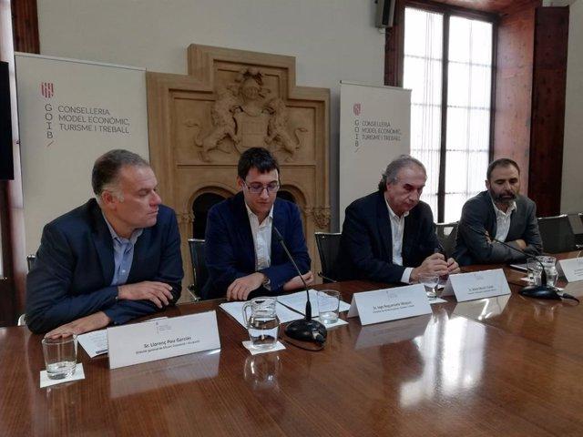 Los consellers Iago Negueruela y Martí March han presentado el análisis sobre inserción laboral de los titulados en FP en Baleares