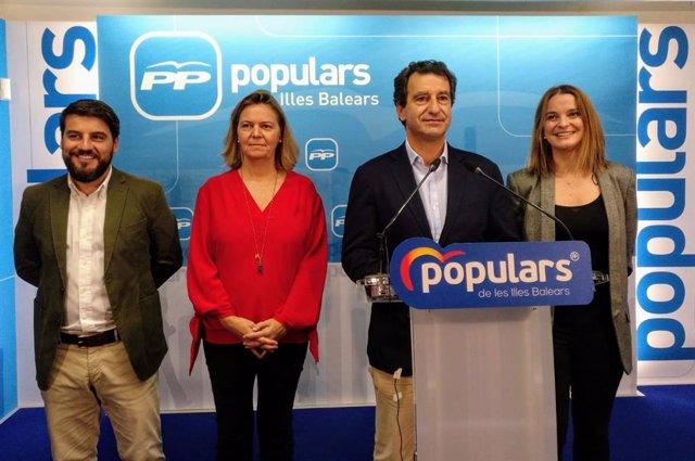(I-D) Los 'Populares' Javier Bonet, Maria Salom, Biel Company Y Margalida Prohens.