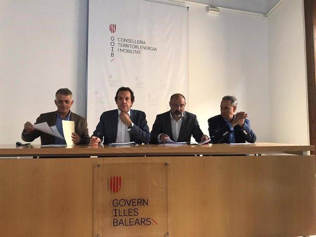 El conseller de Movilidad y Territorio, Marc Pons, en rueda de prensa