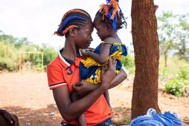 Adolescente y su hija