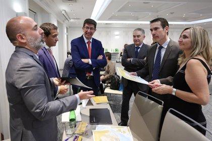 Andalucía muestra su oferta turística a medio centenar de operadores y agencias de viajes de Chile