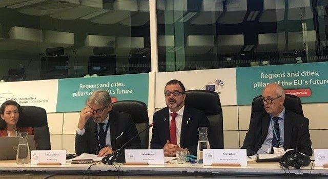 El conseller Alfred Bosch en una taula rodona a Brussel·les