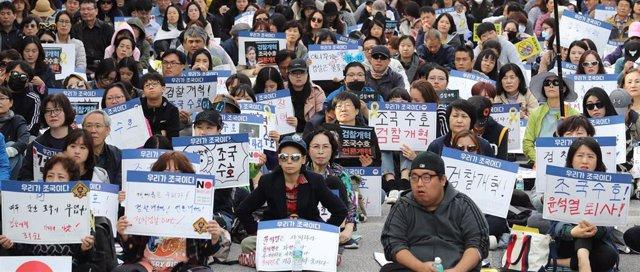 Protestas e Seúl contra el ministro de Justicia de Corea del Sur, Cho Kuk.