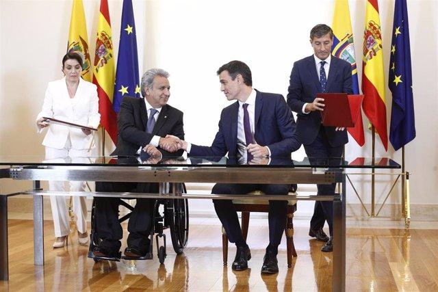 El presidente de Ecuador, Lenín moreno, con el presidente del Gobierno, Pedro Sánchez, durante su viaje a España en julio de 2018