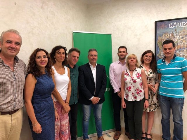 Sutil (c), junto a docentes que forman parte del programa Erasmus+.