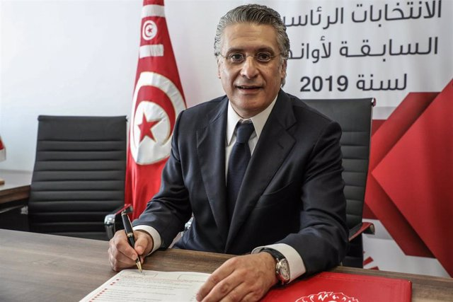 02 August 2019, Tunisia, Tunis: Tunisian media magnate and presidential hopeful Nabil Karoui submits his candidacy at the Tunisia Electoral Commission ahead of the 2019 Tunisian presidential election, scheduled to take place on 15 September 2019. The elec