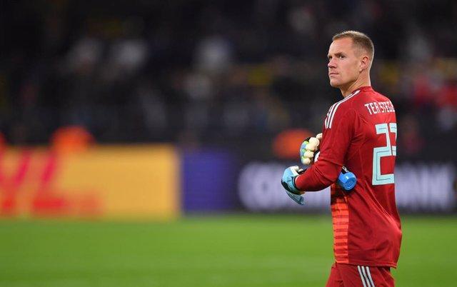 Fútbol/Amistoso.- Media hora de Argentina atenaza a Alemania
