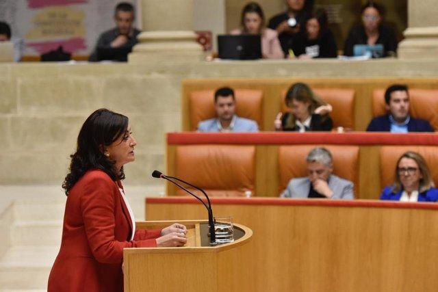 La presidenta del Gobierno de La Rioja, Concha Andreu, interviene en la sesión plenaria del Parlamento de La Rioja