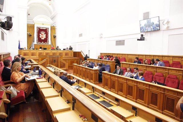 Fotografía de recurso de una sesión plenaria en las Cortes de Castilla-La Mancha